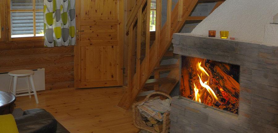 finland_lapland_pyhä_Log_Cabins _(4 stars)_3-room_mezzanine_superior_cabin_open_fire.jpg